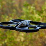 Drone verzamelt meetgegevens in kas