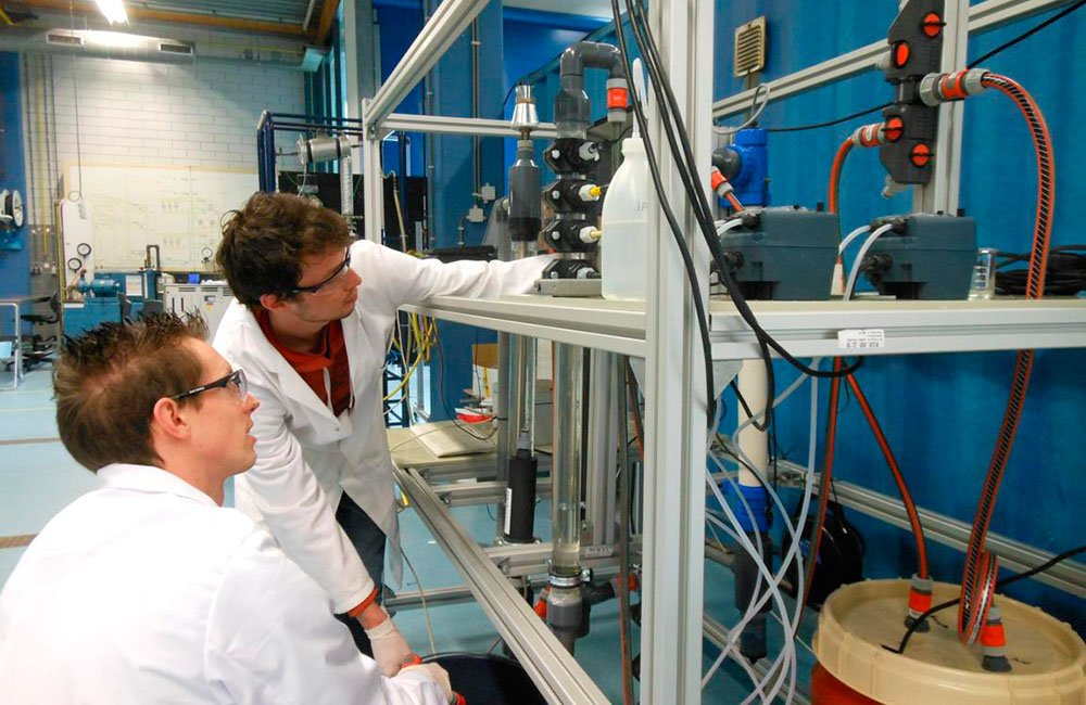 A technology never applied before is being tested in Friesland to purify residual water derived from crop protection agents.