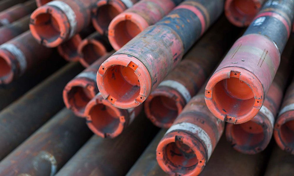 drill pipes voor geothermie boortoren