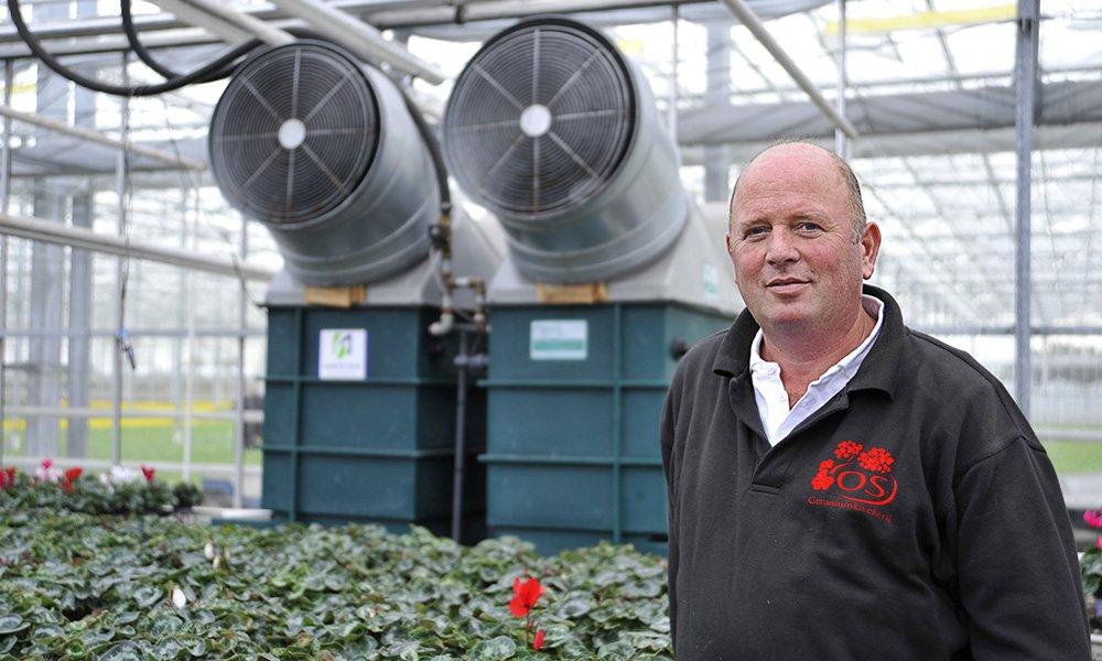 Met een innovatieve ontvochtiger is het mogelijk de kastemperatuur te verlagen, de luchtramen dicht te houden en daardoor te besparen op stookkosten.