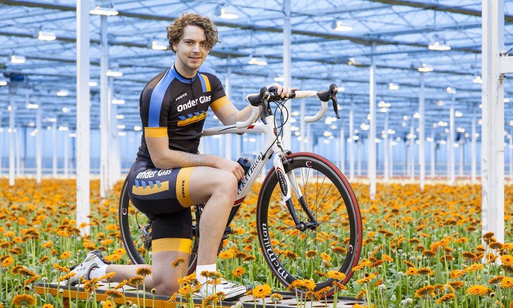 Omdat de glastuinbouw een gezonde, vitale en sportieve sector is, heeft vakblad Onder Glas vorig jaar exclusieve wielerkleding laten ontwerpen