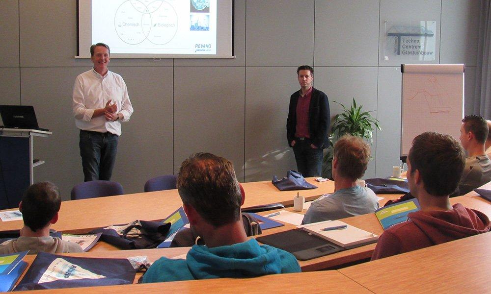 Om bewustwording over kwaliteitsaspecten en kennis over installaties en onderhoud te verbeteren, organiseert Demokwekerij Westland trainingen en workshops