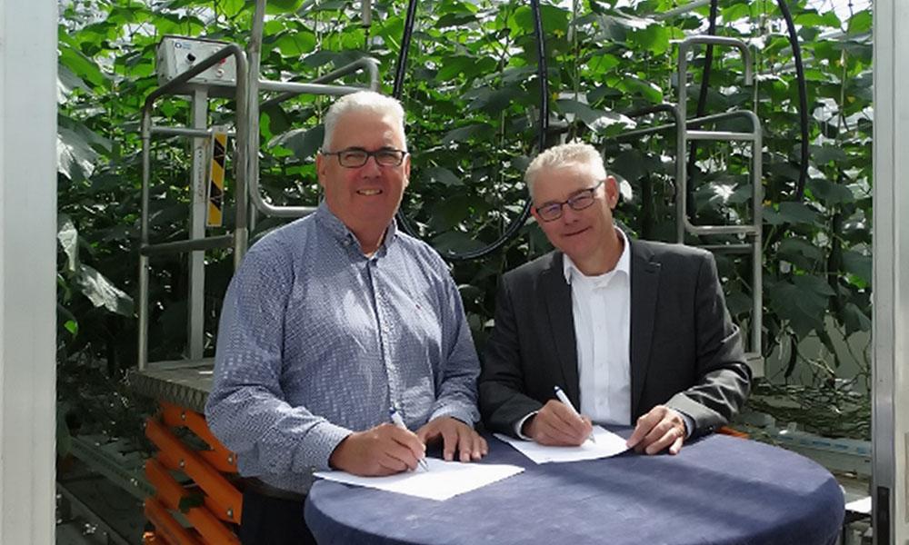 Bas Lagerwerf (l) van Berg Hortimotive en Sjaak Bakker van Wageningen UR, BU Glastuinbouw