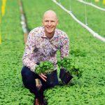 Kwekerij Gipmans heeft een nieuwe, geavanceerde ontsmetter aangeschaft. Deze kan ontsmetten en gewasbeschermingsmiddel uit het water halen.