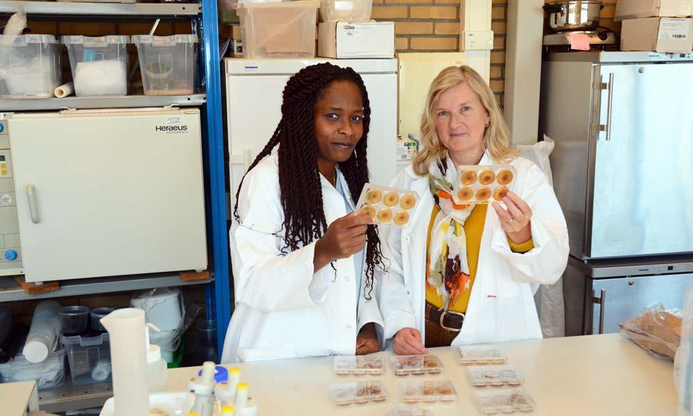 Yaite Cuesta Arenas (links) en Kirsten Leiss van Bio-Attract