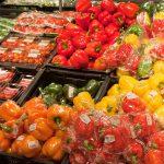 Groenten in de supermarkt. Eerlijkere contractuele betrekkingen voor voedingsindustrie moeten telers beschermen tegen machtsmisbruik van grote afnemers.