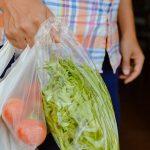 Nederlandse supermarkten gaan plastic uit de schappen weren