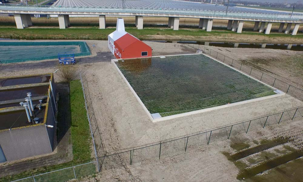 Luchtfoto van het terrein van zuiveringscollectief AquaReUse.